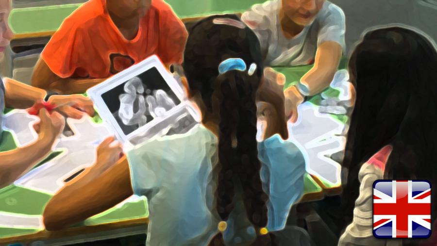 Sharing Memories and Dialogue at School (English Edition)
