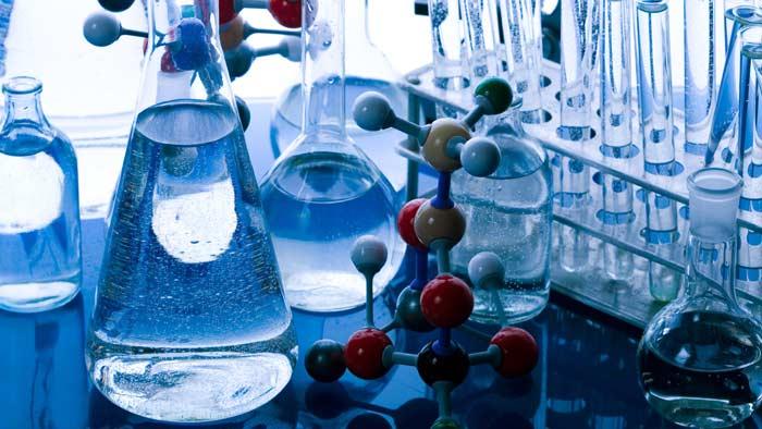 Verso la chimica sperimentale: introduzione al Laboratorio Chimico